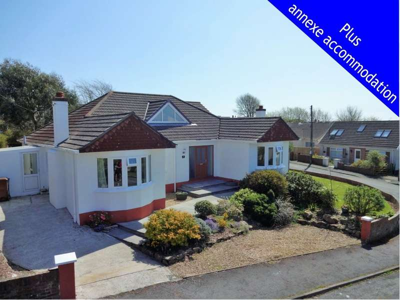 5 Bedrooms Detached House for sale in Valley Drive, Wembury