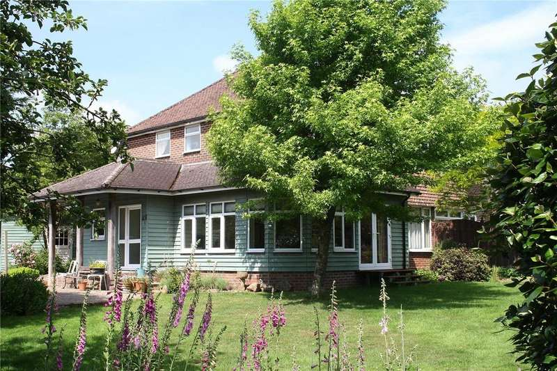 4 Bedrooms Semi Detached House for sale in Caledonia, Gravel Hill, Waterlooville, Hampshire, PO8