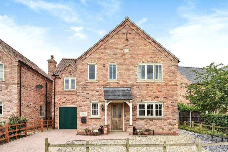 4 Bedrooms Detached House for sale in Cross Street, Potterhanworth, LN4