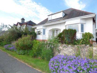 4 Bedrooms Bungalow for sale in Bay View Road, Benllech, Anglesey, North Wales, LL74