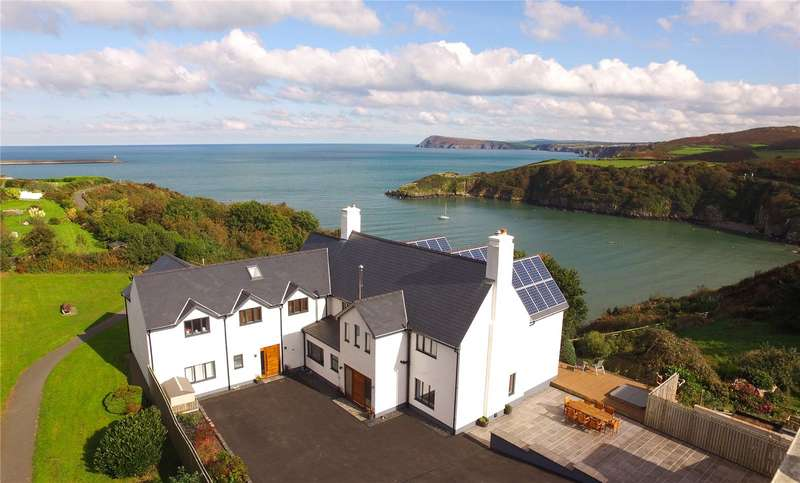 7 Bedrooms Detached House for sale in Llanpit Mawr, Sladeway, Fishguard, Pembrokeshire