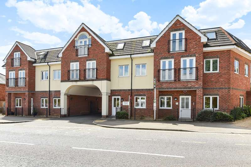 2 Bedrooms Apartment Flat for sale in Griffin Court, 18 Stevenage Road, HITCHIN, SG4