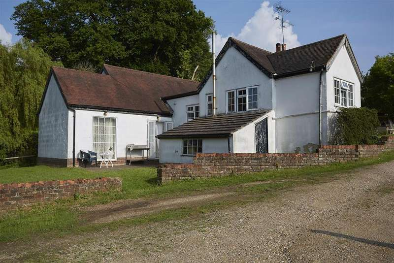 3 Bedrooms Detached Bungalow for sale in Old Park Ride, Theobald's Park EN7