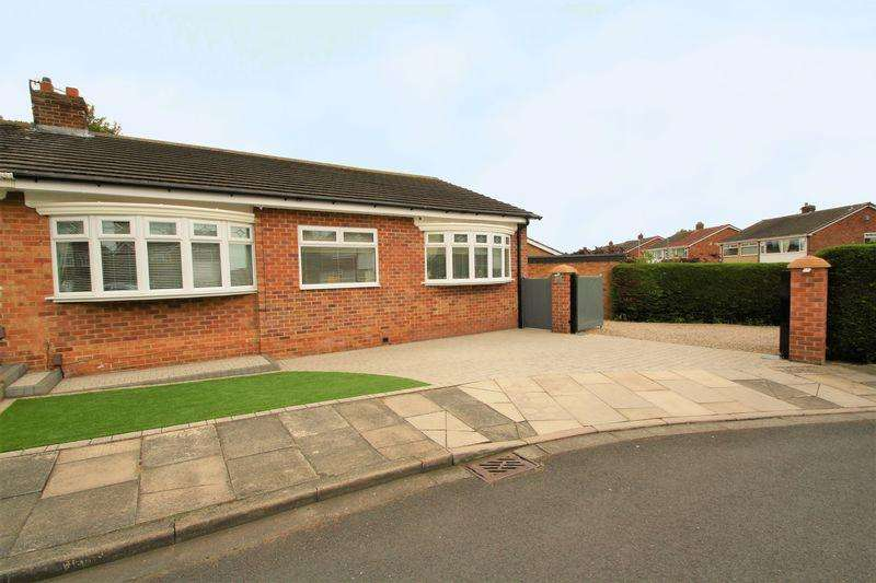 3 Bedrooms Semi Detached Bungalow for sale in Kinderton Grove, Norton, TS20 1QR