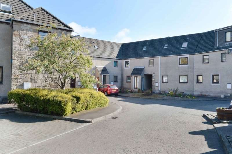2 Bedrooms Town House for sale in Old Mill Court, Dunfermline, Fife, KY11 4TT