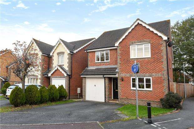 4 Bedrooms Detached House for sale in Price Gardens, Warfield