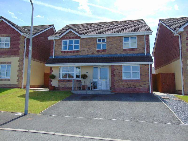 4 Bedrooms Detached House for sale in Maes Y Bryn , Bryn, Llanelli, Carmarthenshire. SA14 9RQ