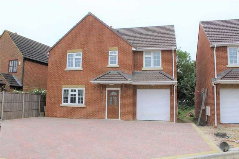 4 Bedrooms Detached House for sale in Brand New Road, Slough, Berkshire