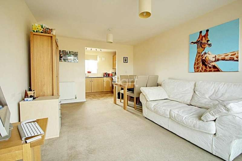 2 Bedrooms Flat for sale in Flack End, Cambridge