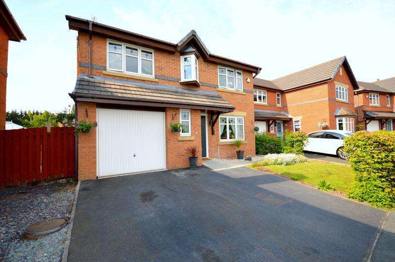 4 Bedrooms Detached House for sale in Cleadon Way, Widnes