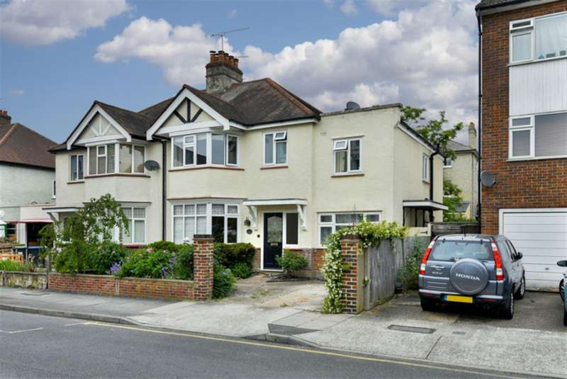 4 Bedrooms Semi Detached House for sale in Cadogan Road, Surbiton