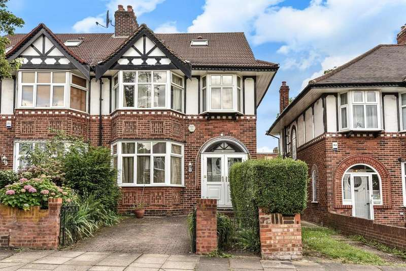 4 Bedrooms Semi Detached House for sale in Brunswick Gardens, Ealing