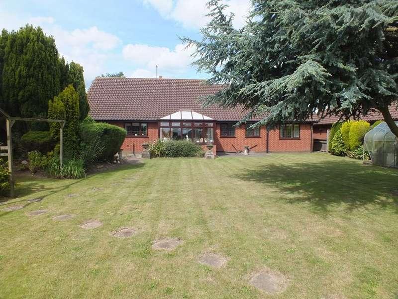 3 Bedrooms Detached Bungalow for sale in Woodgate Road, Moulton Chapel