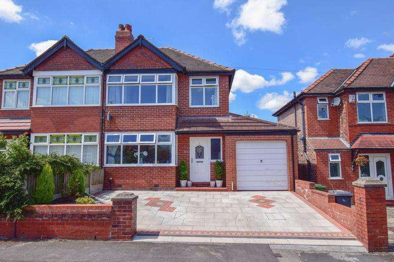 4 Bedrooms Semi Detached House for sale in St Annes Avenue, Grappenhall