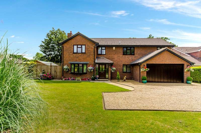 5 Bedrooms Detached House for sale in Hazelwood Drive, Gonerby Hill Foot, Grantham, NG31