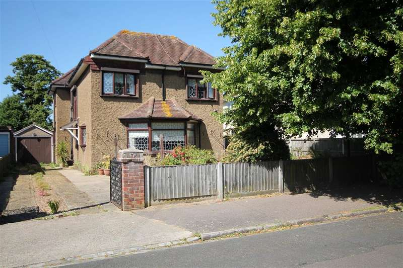 4 Bedrooms House for sale in Vicarage Gardens, Clacton on Sea