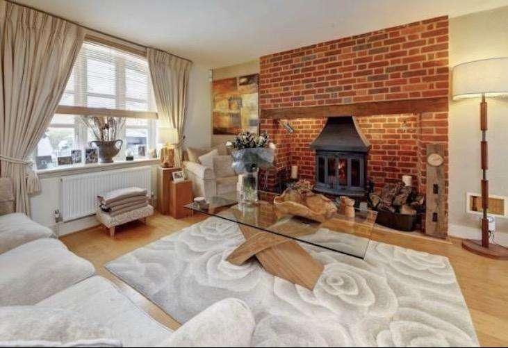 5 Bedrooms House for sale in Dunwich Farm, Stevenage, SG1