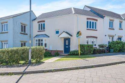 3 Bedrooms Terraced House for sale in Helston, Cornwall