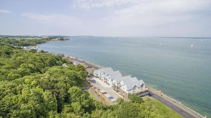 4 Bedrooms Terraced House for sale in Solent Shores, Gurnard