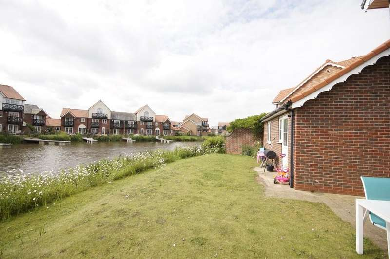 3 Bedrooms Semi Detached House for sale in The Moorings, Burton Waters
