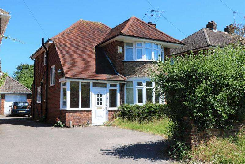 3 Bedrooms Detached House for sale in Rupert Avenue, High Wycombe