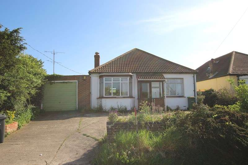 3 Bedrooms Detached Bungalow for sale in Barrow Hall Road, Little Wakering, Southend-On-Sea