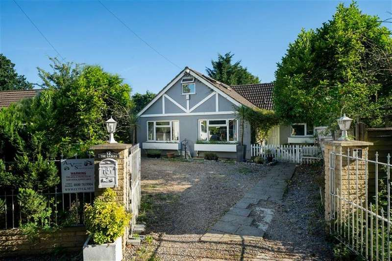 5 Bedrooms Detached House for sale in Fellowes Lane, Colney Heath, Hertfordshire