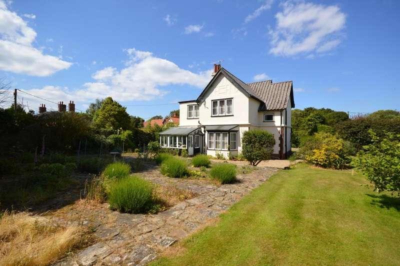 4 Bedrooms Detached House for sale in Cromer Road, Overstrand, Norfolk