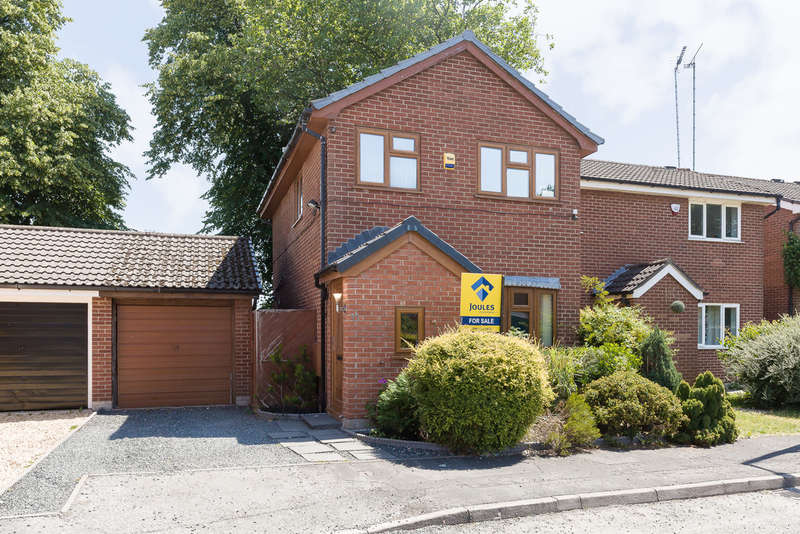 3 Bedrooms Semi Detached House for sale in Greenside, Heaton Mersey