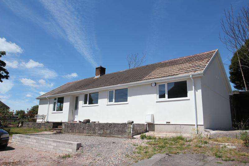 3 Bedrooms Detached Bungalow for sale in Laura Street, Barry