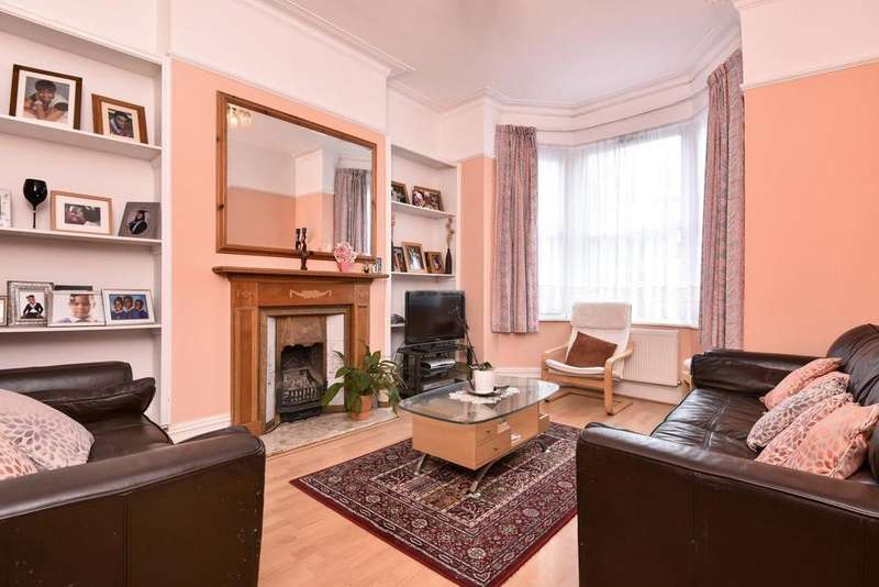 3 Bedrooms Terraced House for sale in Longley Road, Tooting