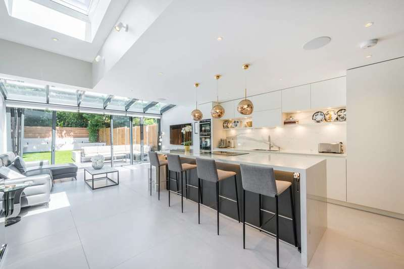 4 Bedrooms House for sale in Wolseley Gardens, Grove Park, W4