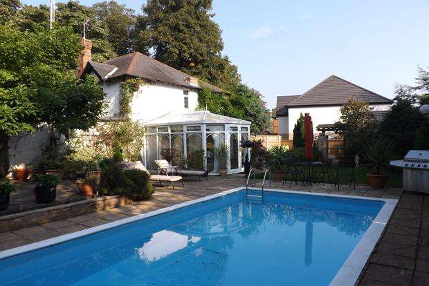 4 Bedrooms Detached House for sale in Woodchurch Road, Bestwood Lodge, Nottingham, NG5