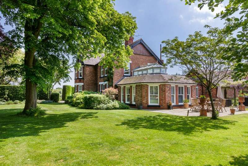 4 Bedrooms Detached House for sale in Aston, Cheshire