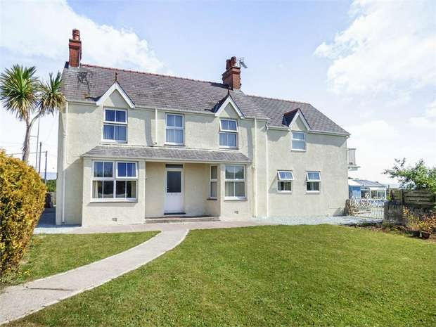 4 Bedrooms Detached House for sale in Amlwch Road, Benllech, Tyn-Y-Gongl, Anglesey