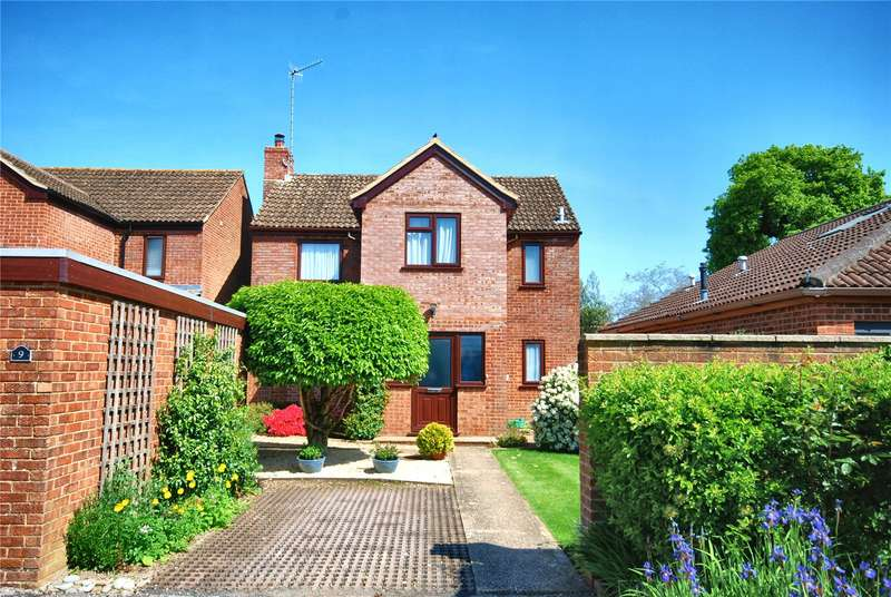 4 Bedrooms Detached House for sale in Lyster Road, Fordingbridge, Hampshire, SP6