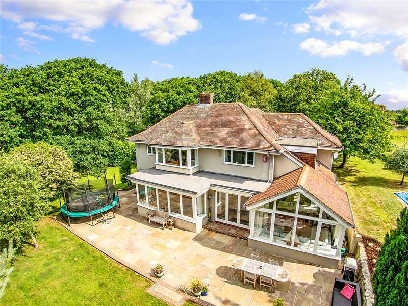 4 Bedrooms Detached House for sale in South Baddesley Road, Lymington, Hampshire, SO41