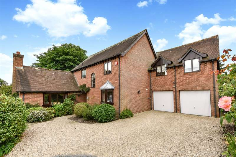 5 Bedrooms Detached House for sale in South Grove, Lymington, Hampshire, SO41