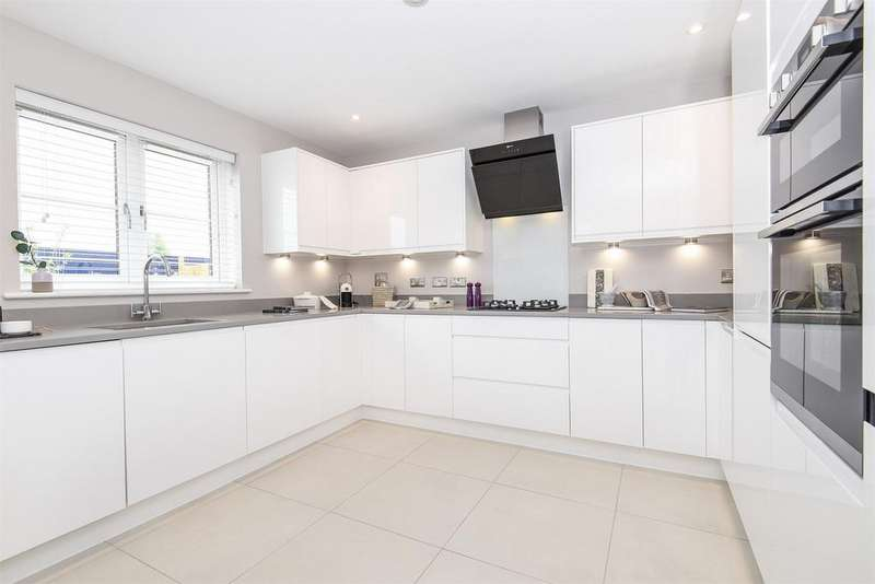 3 Bedrooms Semi Detached House for sale in Stoneham Lane, Eastleigh, Hampshire