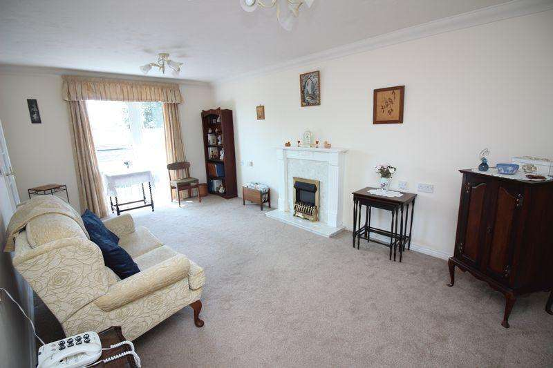 1 Bedroom Retirement Property for sale in St Peters Lodge, High Street, Portishead