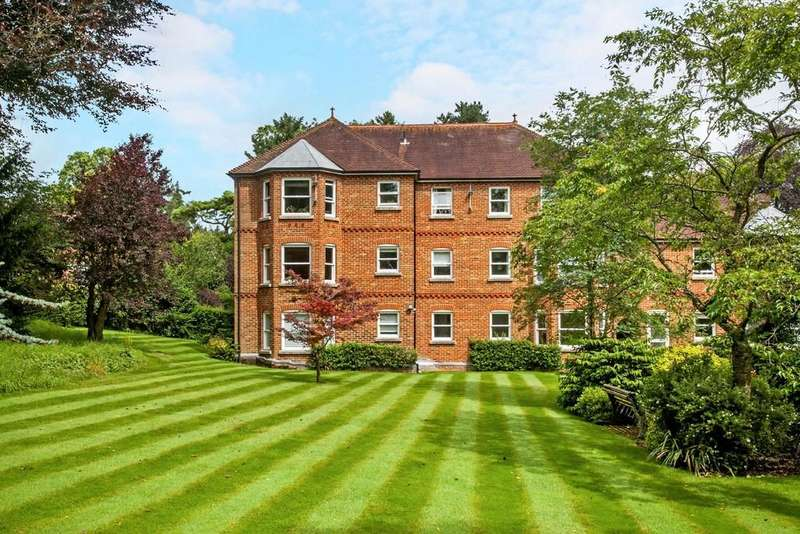 2 Bedrooms Apartment Flat for sale in Mead Road, Saint Cross, Winchester, SO23