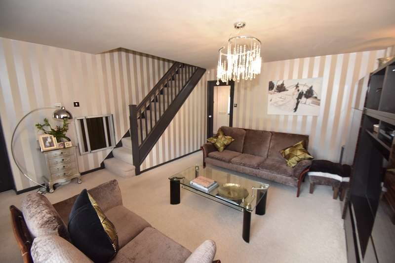 4 Bedrooms Detached House for sale in Prestwich Hills, Prestwich, Manchester, M25