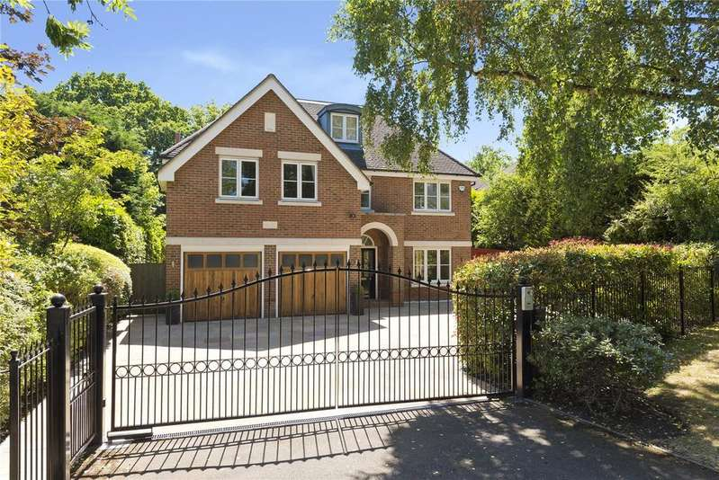 5 Bedrooms Detached House for sale in Littlemead, Esher, Surrey, KT10