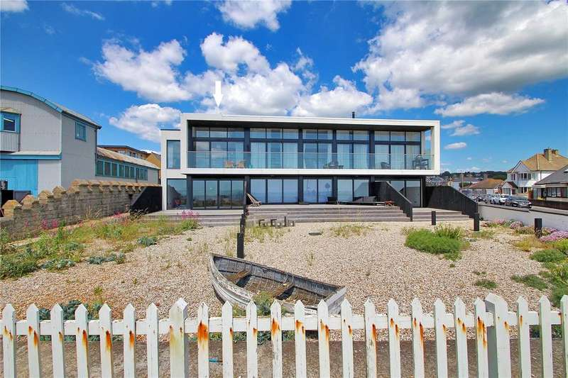 3 Bedrooms Apartment Flat for sale in Bay Apartments, 98 St. Leonards Road, Hythe, Kent, CT21