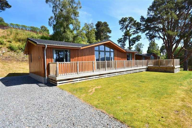 3 Bedrooms Lodge Character Property for sale in Grantown On Spey
