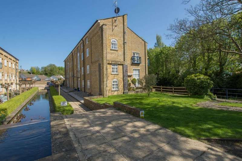 3 Bedrooms Duplex Flat for sale in Mill Race, River, CT17