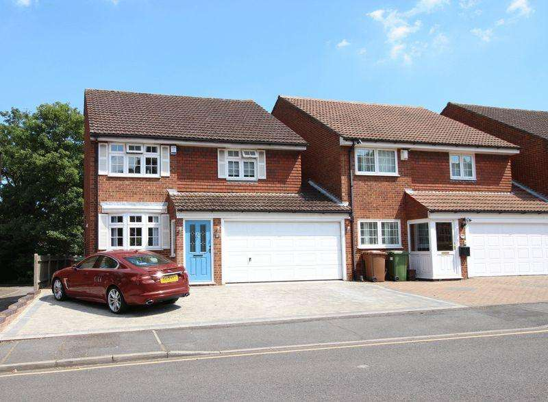 4 Bedrooms Link Detached House for sale in Carlton Road, Sidcup, DA14 6AQ