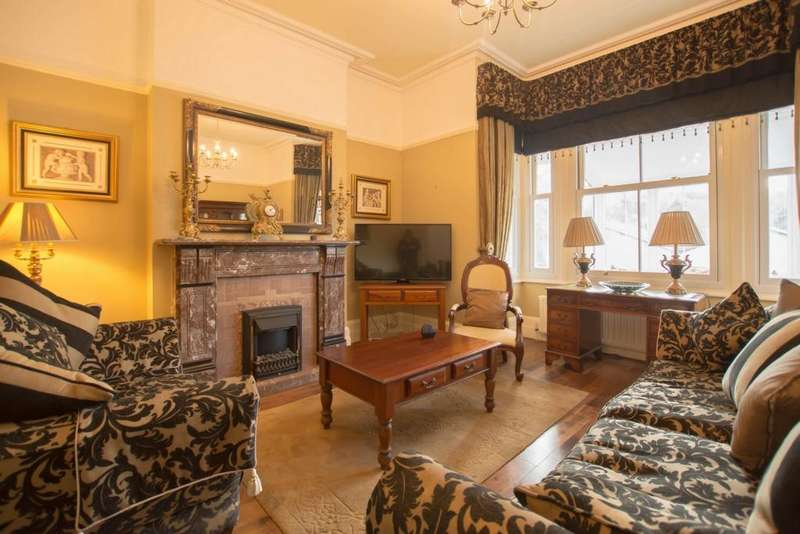 3 Bedrooms Apartment Flat for sale in Crabble Hill, River Outskirts, CT17