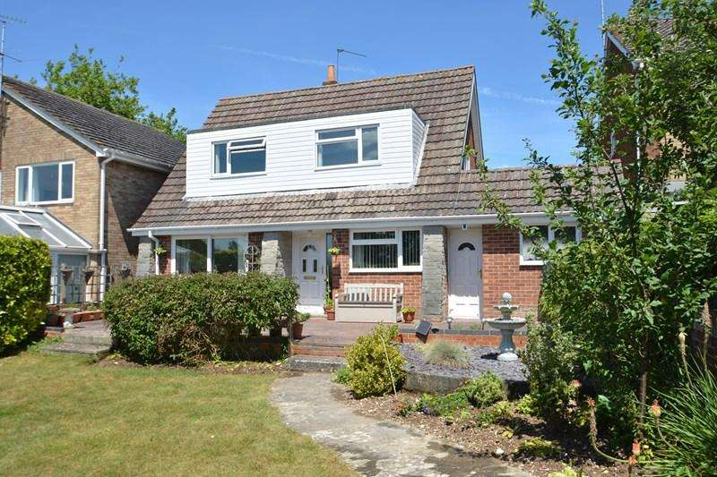 3 Bedrooms Detached House for sale in Maple Walk, Andover