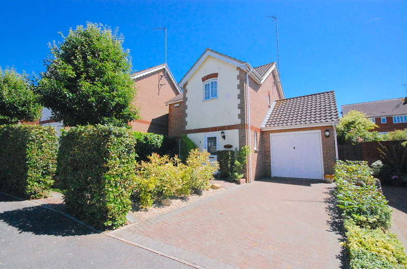 3 Bedrooms Detached House for sale in Rye Grass Way, Braintree, CM7